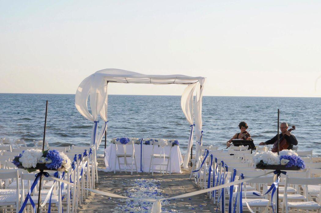 WishVersilia - beach wedding
