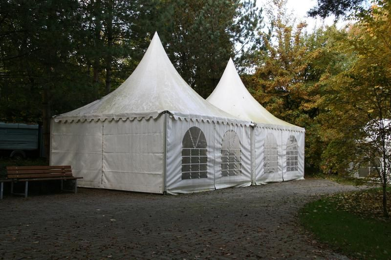 Beispiel: Zelt für Catering, Foto: Traumgarten Thalwil.