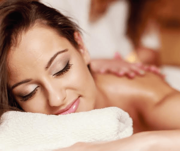 Masajes relajantes para novios