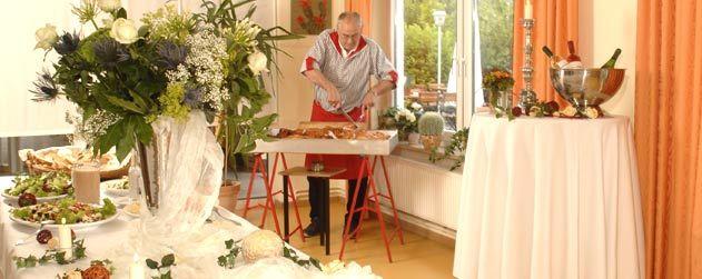 Beispiel: Service, Foto: Café Steintormarsch.