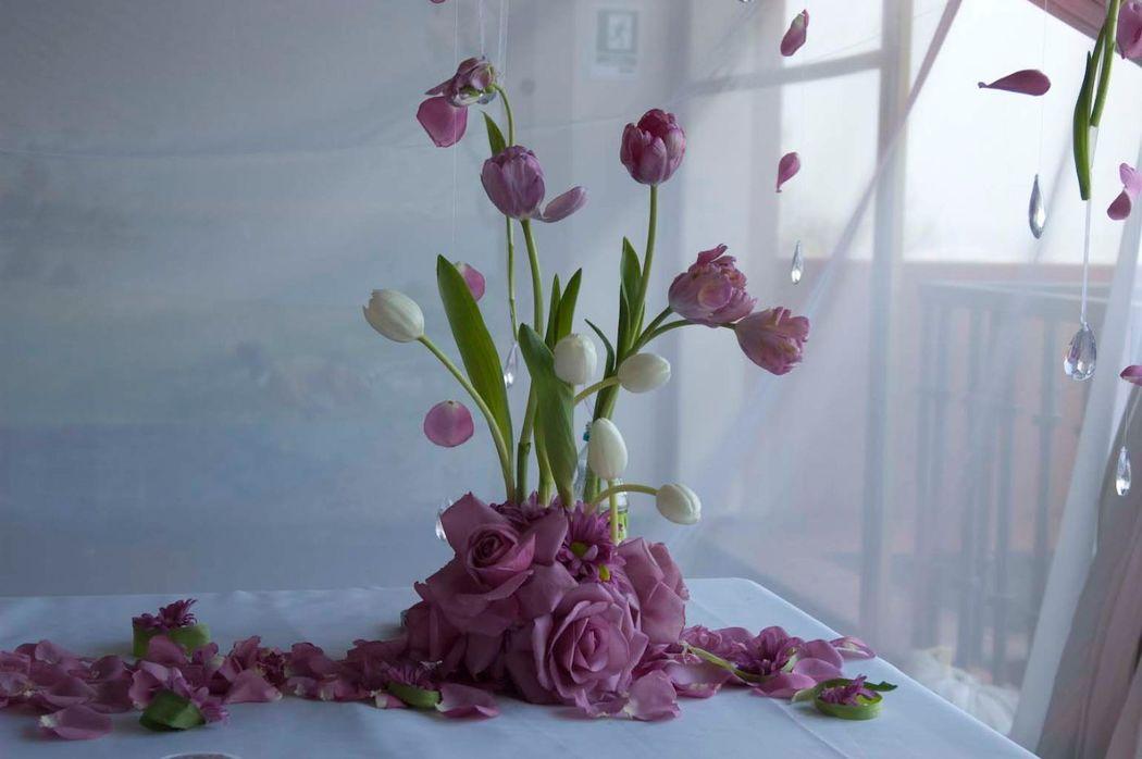 Arreglo Matrimonio Civil con tulipanes