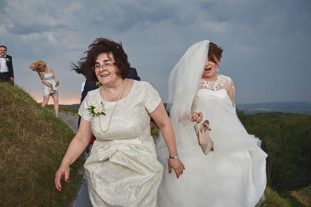 Burza podczas przyjęcia weselnego