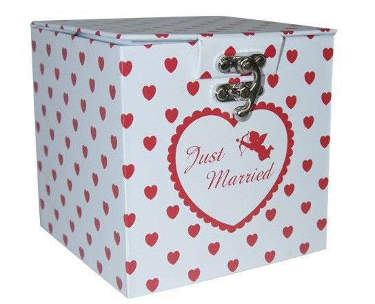 Überraschungs-Geschenkbox zur Hochzeit Foto: Hot-Princess.de.