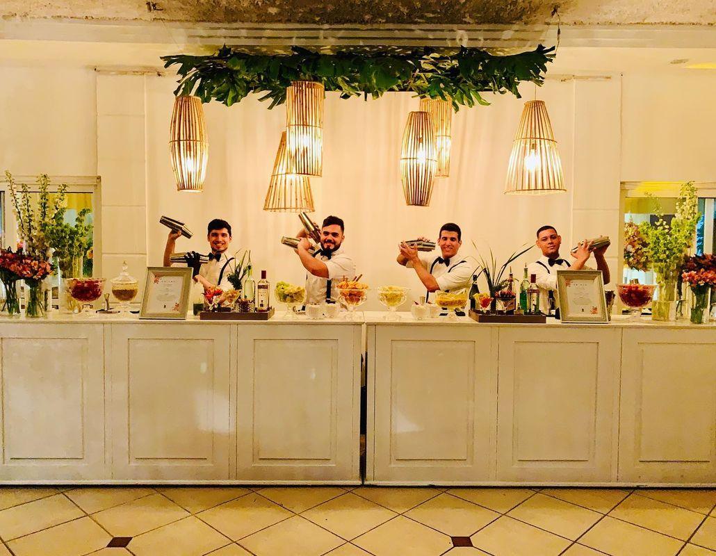 Dieff's Bartenders - Open Bar