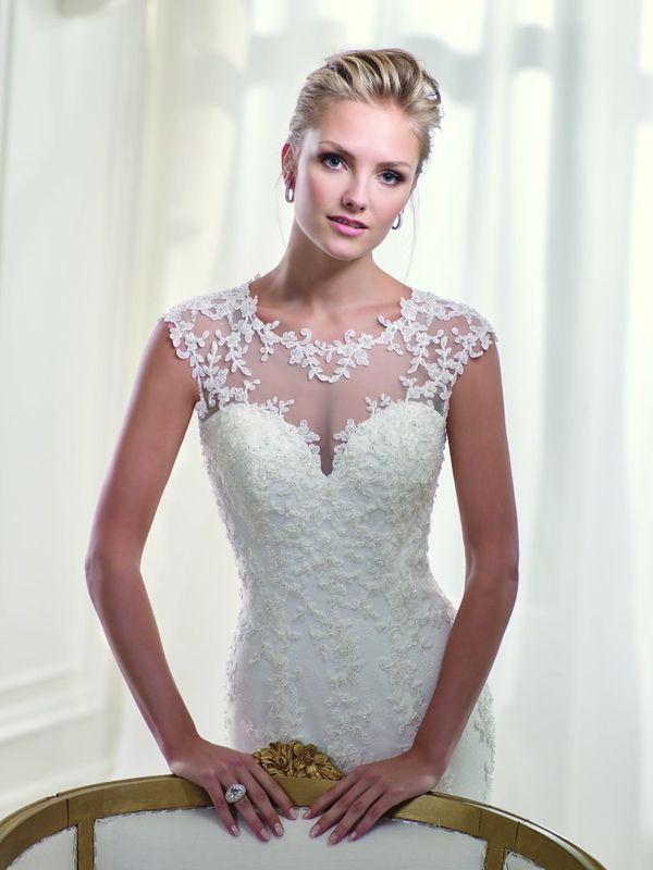 Unsere wunderschnen Brautkleider kommen aus Spanien, Frankreich, Deutschland, Portugal - aus ganz Europa. Wir bekommen das ganze Jahr über immer wieder neue Brautkleider und haben somit eine stets aktuelle Auswahl an romantischen Brautkleidern.