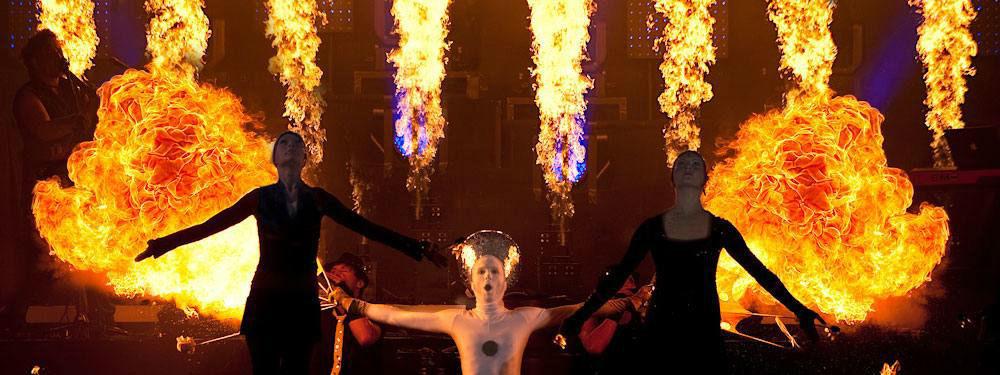 Beispiel: Spektakuläre Feuershow, Foto: Juketec.