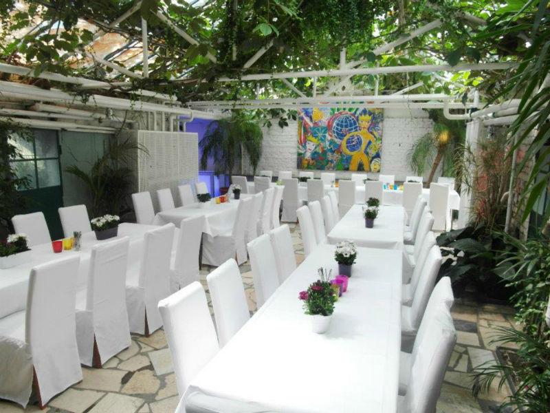 Beispiel: Palmenhaus mit Hochzeitstafel, Foto: Botanikum.