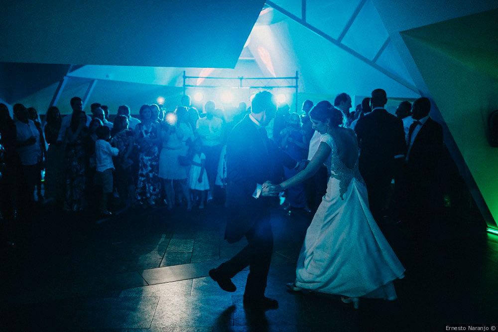 El primer baile en la discoteca