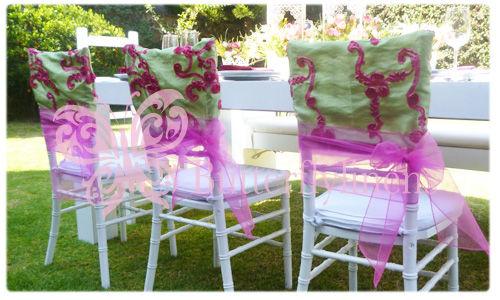 Accesorios para decoración de boda: manteles, cubremantel, caminos de mesa, servilletas, forros para sillas, cintas.