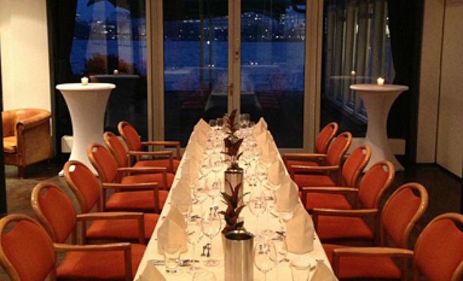 Beispiel: Tischdekoration, Foto: Alsterköche im Ruderclub Favorite Hammonia.