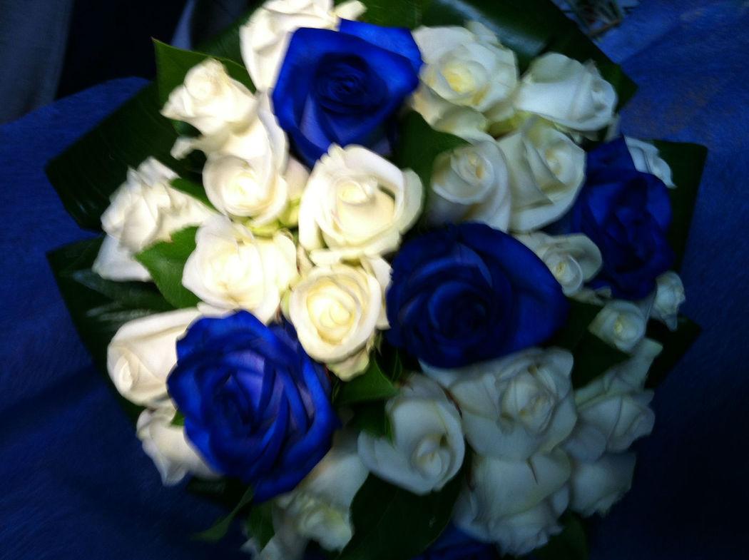 Bouquet rose bianche e blu