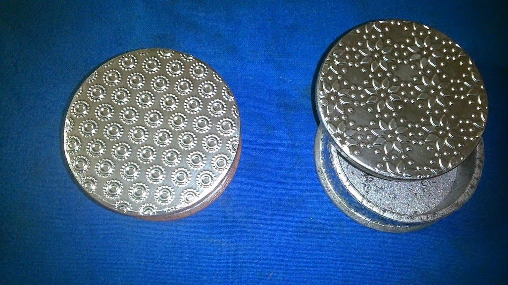 Caja  redonda 6x6 cms. de diámetro aluminio