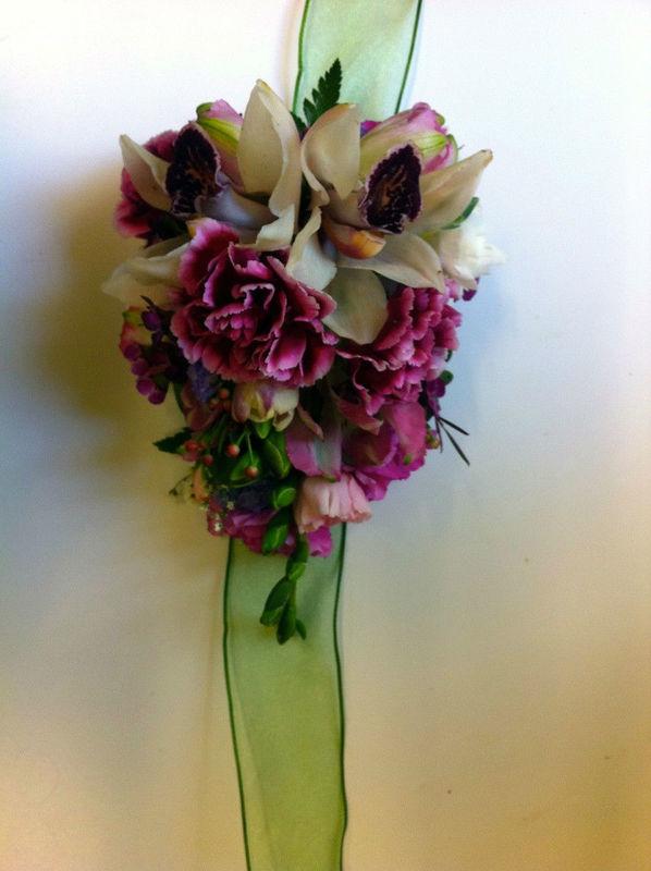 Beispiel: Blumenarmband, Foto: Blumenelfen Griessmaier.