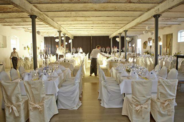 Beispiel: Hochzeitsbankett, Foto: Gutshof Wilsickow.