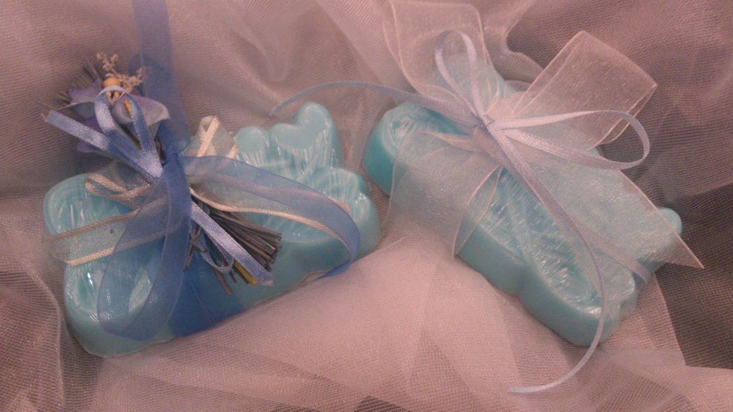 Jabón personalizado, con decoracion de lazos.