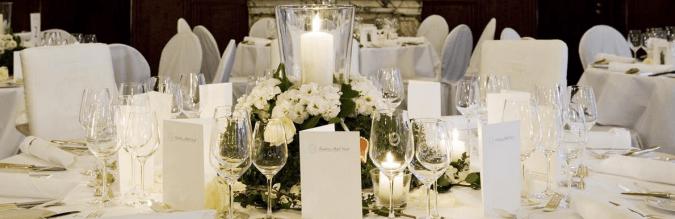 Beispiel: Tischdekoration, Foto: Excelsior Hotel Ernst.