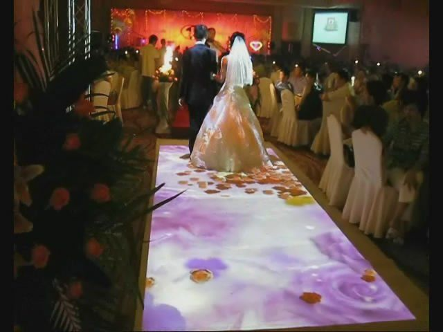 Piso de flores para la entrada al salon de la novia