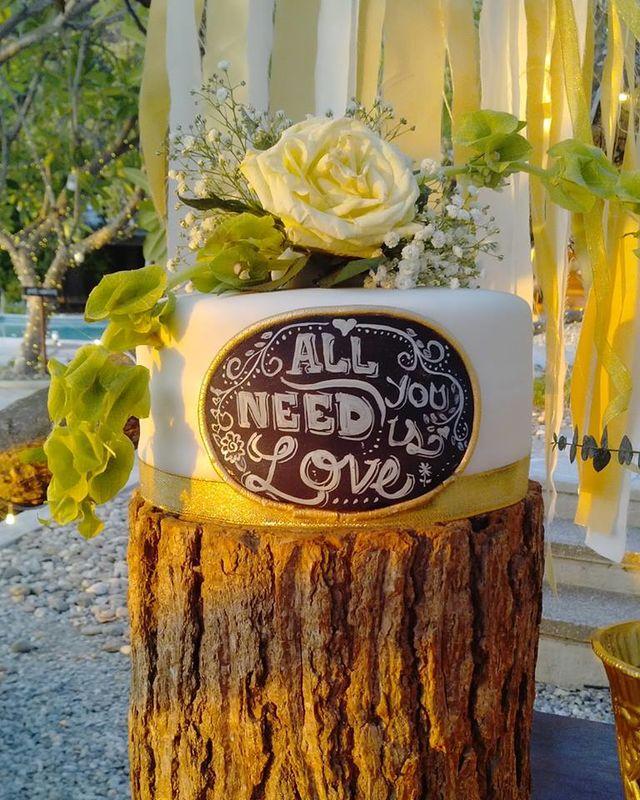Chalk Board Cake