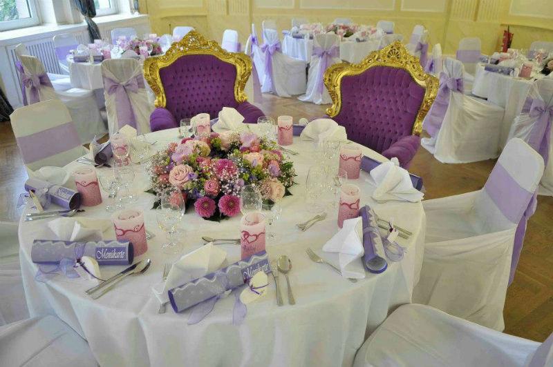 Beispiel: Florale Dekoration Ihrer Hochzeitslocation, Foto: Blumen-Koch Berlin.