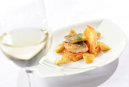 Beispiel: Kulinarik, Foto: Hotel Hubertushof Anif.