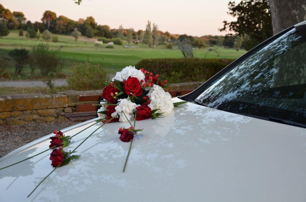 Décoration voiture rose rouge
