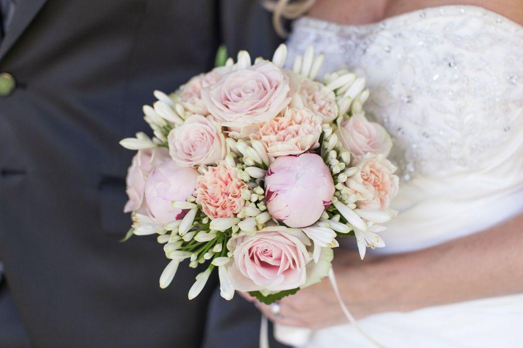 Beispiel: Brautstrauss,  Hochzeitsfloristik