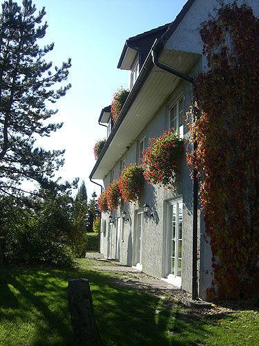 Beispiel: Außenansicht, Foto: Landhaus Marsdorf.