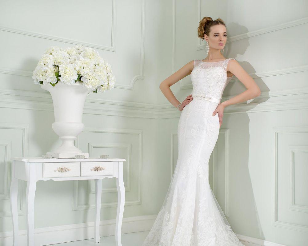abiti sposa sirena - in pizzo o in tessuti morbidi e lisci - i modelli che accarezzano la linea perfetta