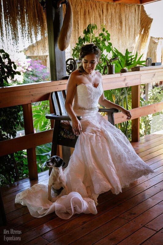A alguien le resulta muy cómodo el vestido de la novia!