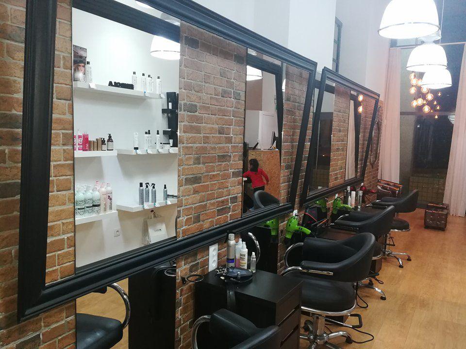 Kreative Krew Hairstudio Senhora