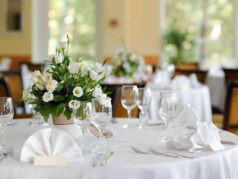 Beispiel: Hochzeitsgedeck, Foto: Restaurant Oberwirt.