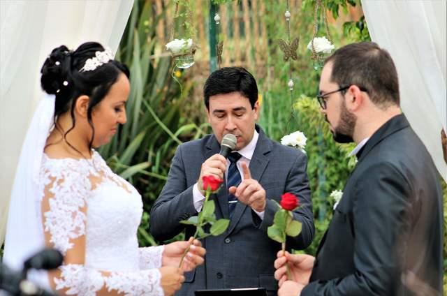 Celebrante Paulo Ramos