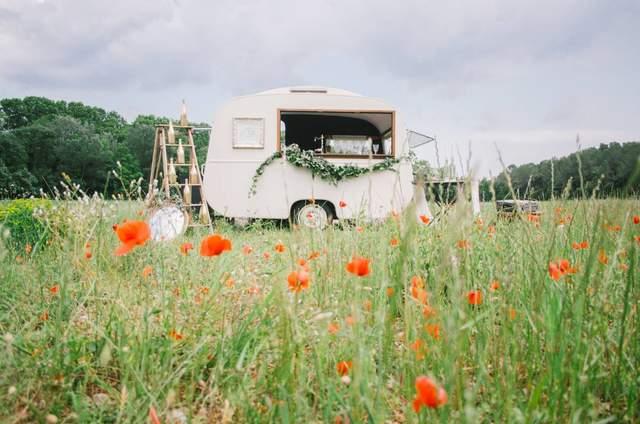 Mademoiselle Jule, The Vintage Caravan Bar