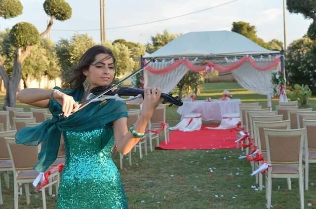 Chiara Conte DancingViolinist