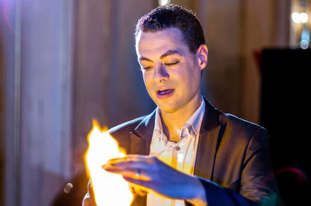 Damien - Magicien