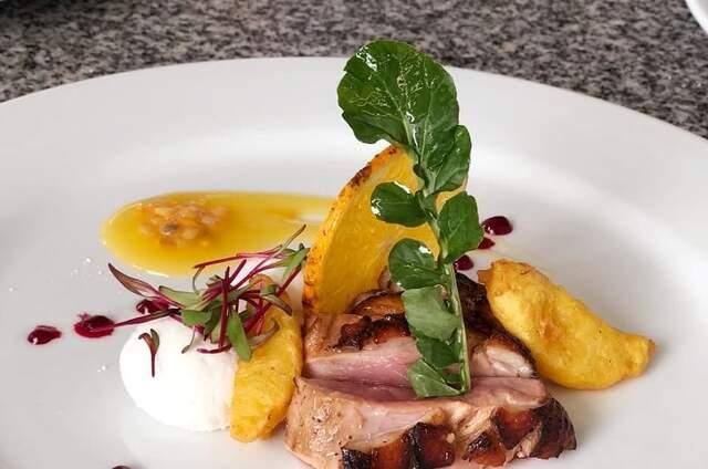 Gastronomía y Servicio