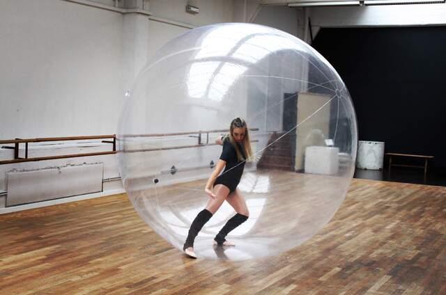 """Caro'Lyne Po - Prestation de danse """"bulle"""""""
