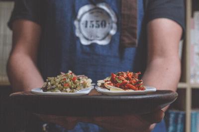 1550 Vino Y Cocina