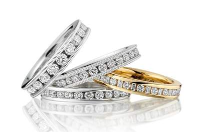 Smooch Wedding Rings