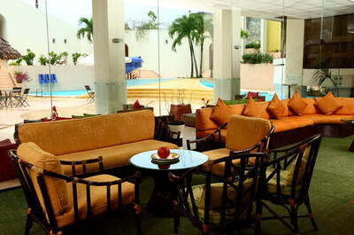 Dorado Plaza Hotel