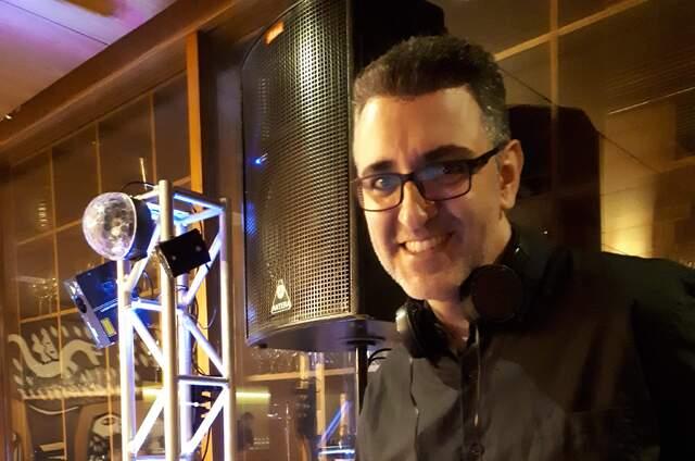Dueventi Eventos - DJ, Som, Iluminação e Imagem